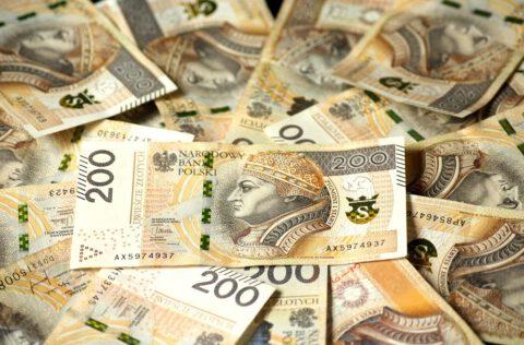 euro banknotes 4122079 1920 cut 480x316